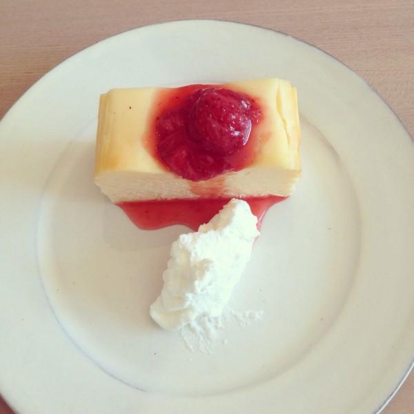 チーズケーキ いちご